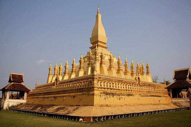 must see places in laos